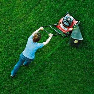 косить газон