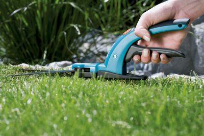 Садовые ножницы для выстригания травы